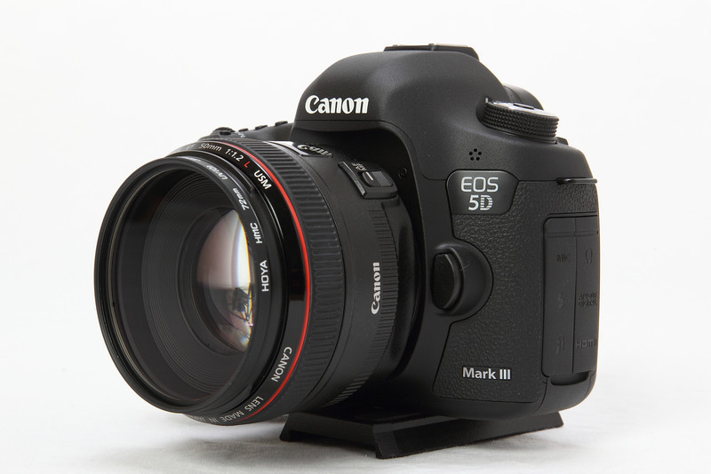 Photo of Canon 5D mkiii camera with 85mm f1.2 lens